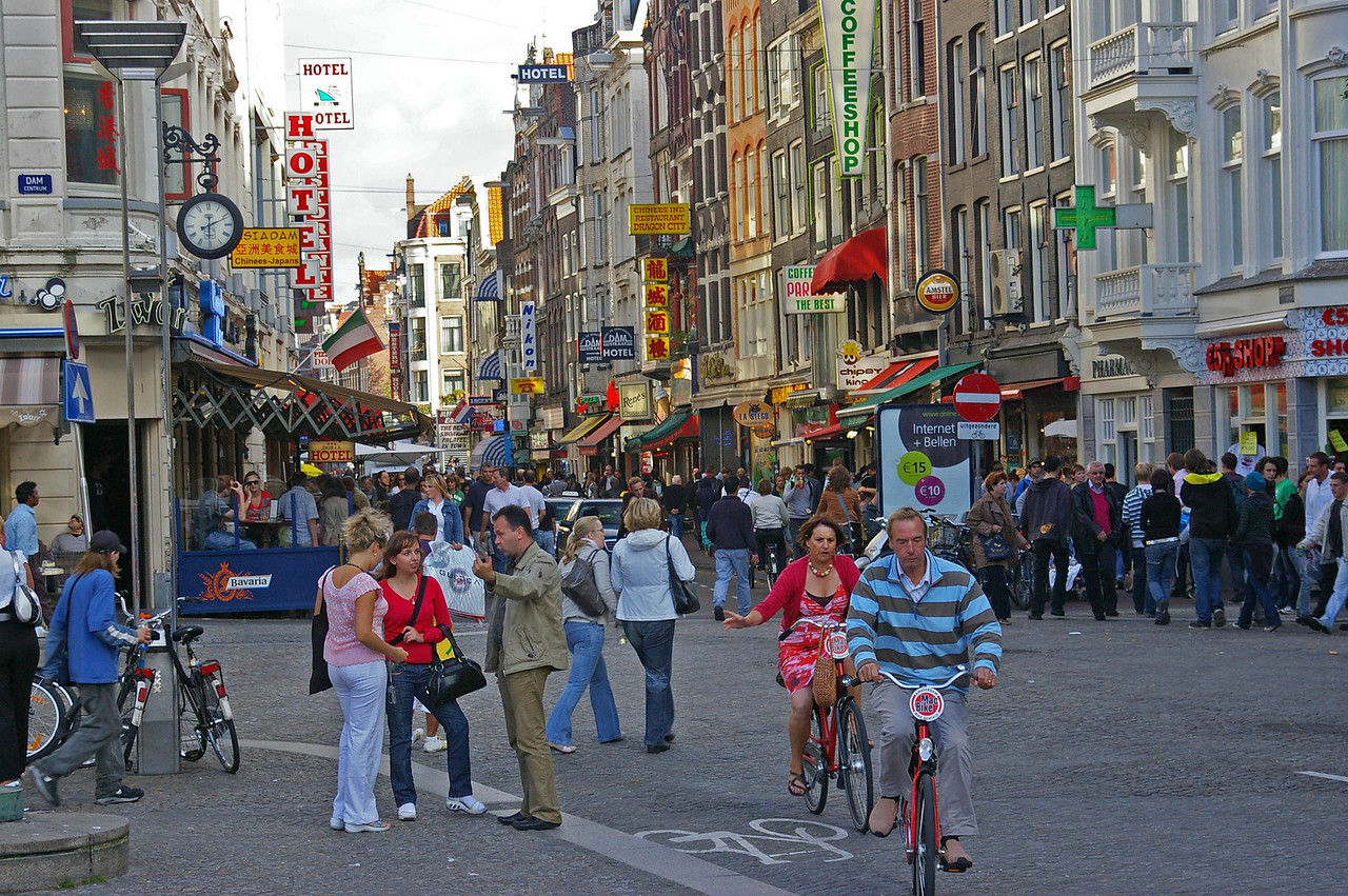 Warmostraat, A main street through the Red Light District.