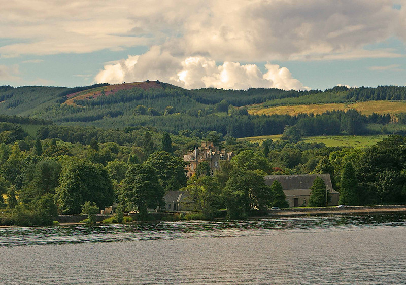 Home on Loch Lomond