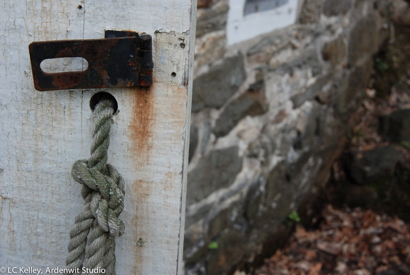 Rust knot stone