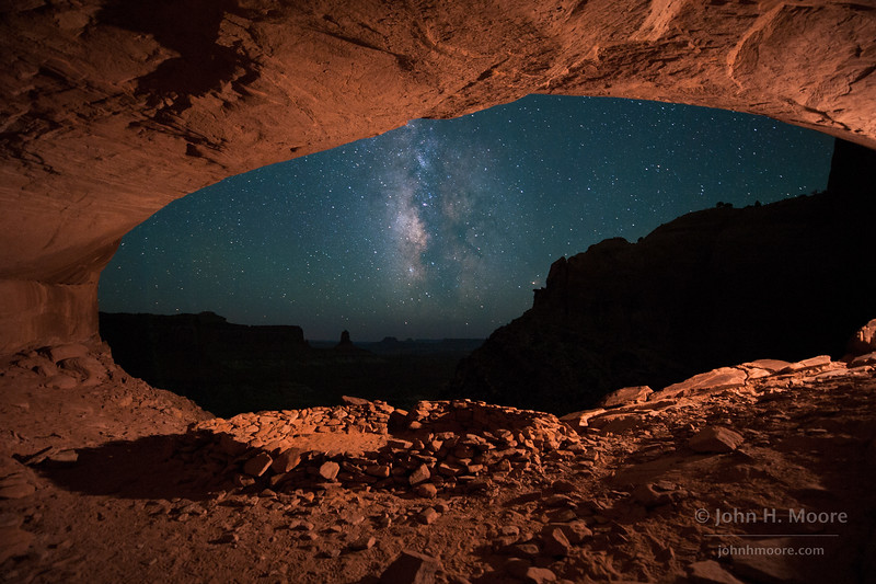 Ancient Puebloan ruins beneath the Milky Way
