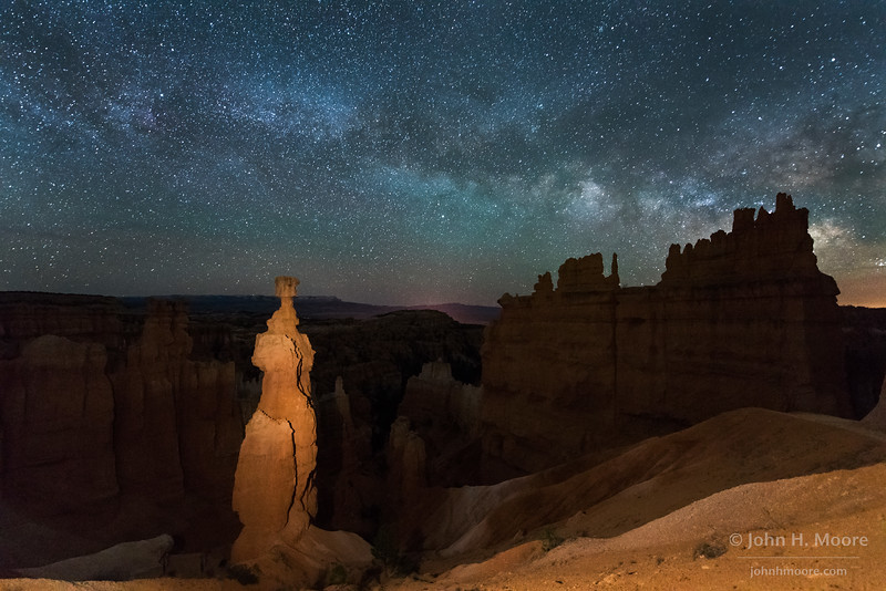 """The hoodoo """"Thor's Hammer"""" in Bryce Canyon National Park, under a starry sky.  Utah, USA"""