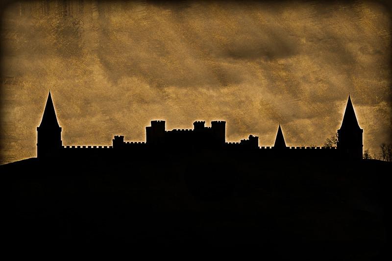 Castle Post Silhouette - Versailles, KY