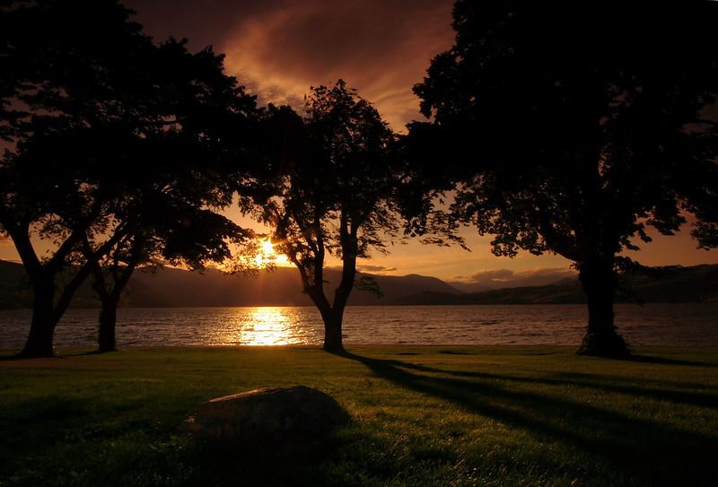 Chelan lake right before sunset.