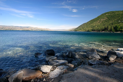 Chelan lake from beach park, looking south...
