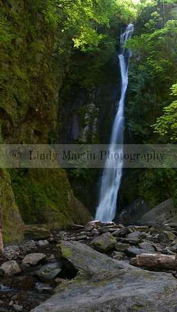 NIAGRA FALLS AT GOLDSTREAM PARK IN BC