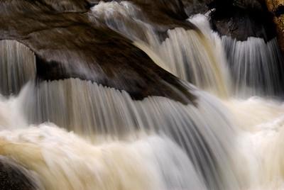 Kanaka Falls, yellowish water