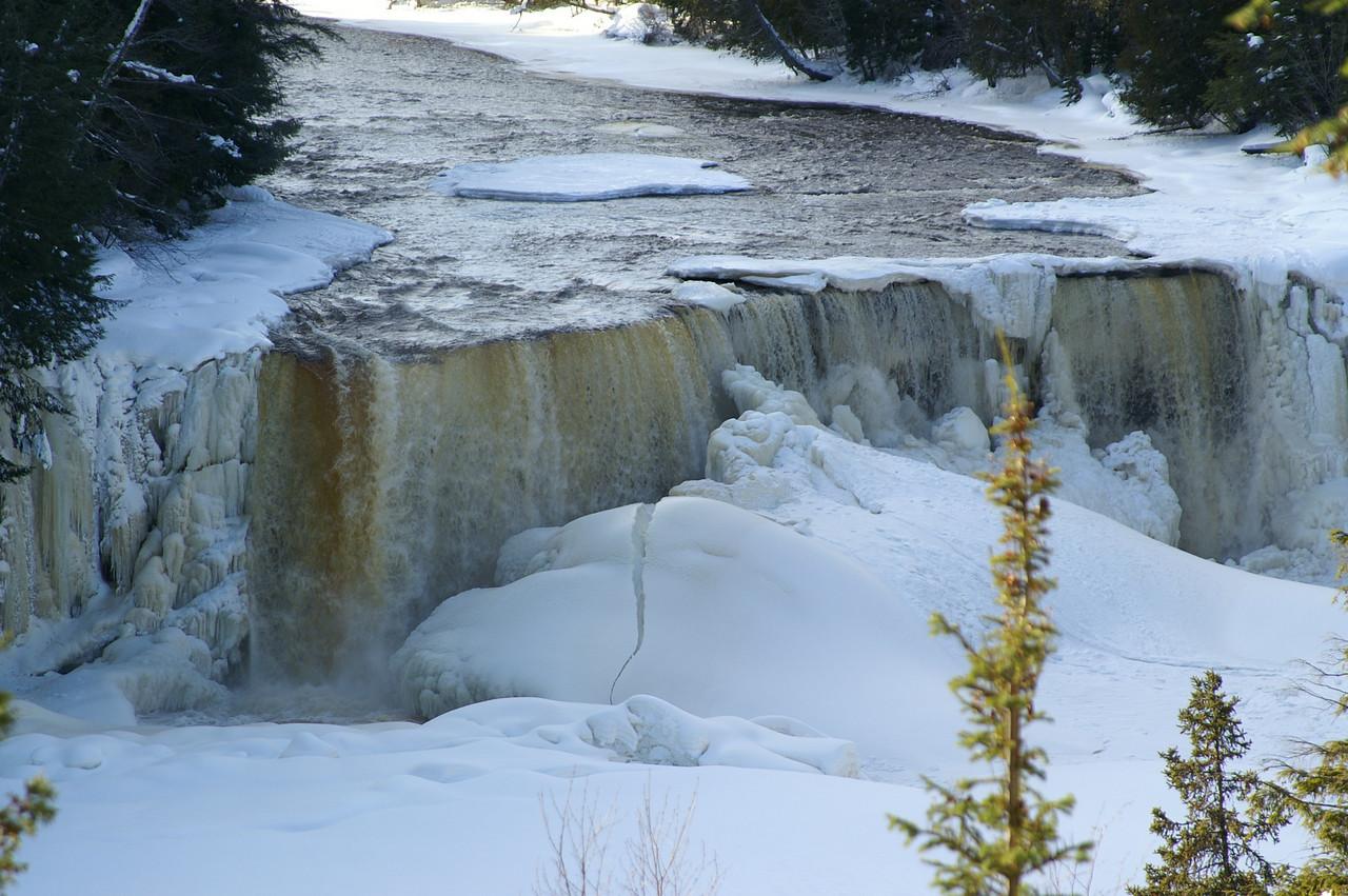 Taqhuamenon Falls