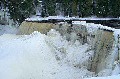 Taqhuamenon Falls State Park