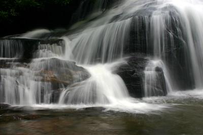 41282741 waterfall4