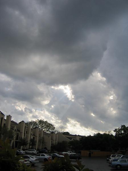 Crepuscular rays (180_8056)