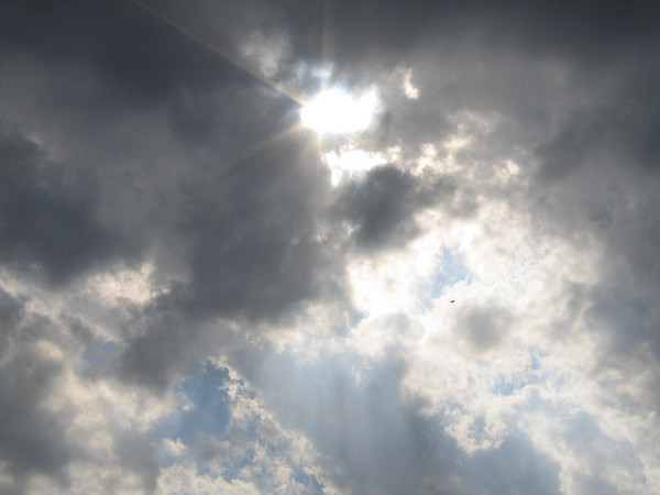 Crepuscular rays (180_8074)
