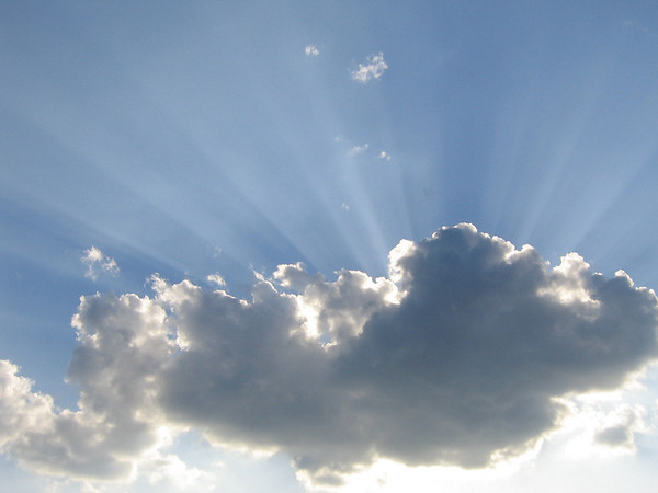 Crepuscular rays (206_0700)
