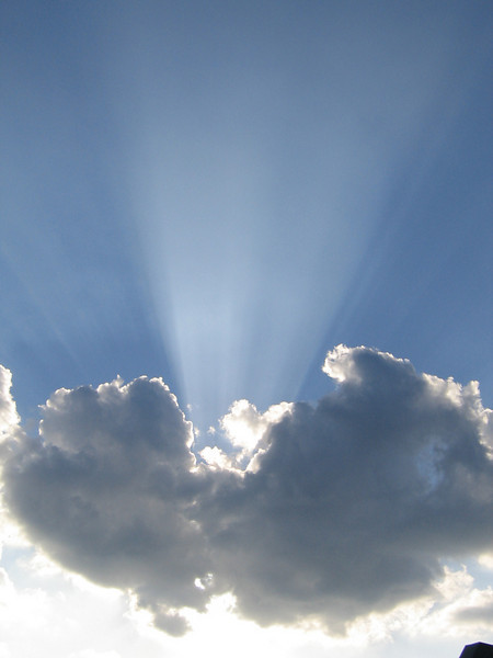Crepuscular rays (207_0706)
