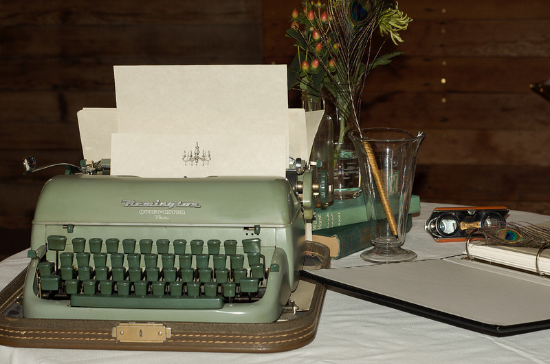 Typewriter for messages to the bride and groom