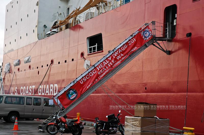 WA-2007.11.6#193.3. The 420 foot medium duty US Coast Guard Cutter Healy (WAGB 20). In it's home Port at 1519 Alaska Way S, Seattle Washington.