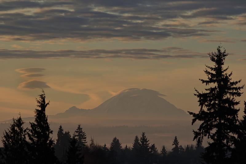 Mt Rainier from Everett Providence Hospital