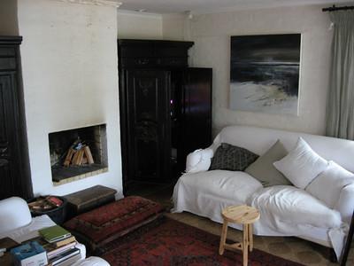Nice lounge area.
