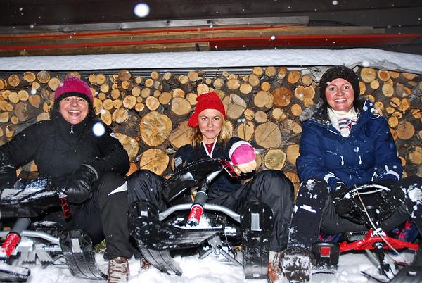 Klar for kjelkekjøyring..01.joledag 2012