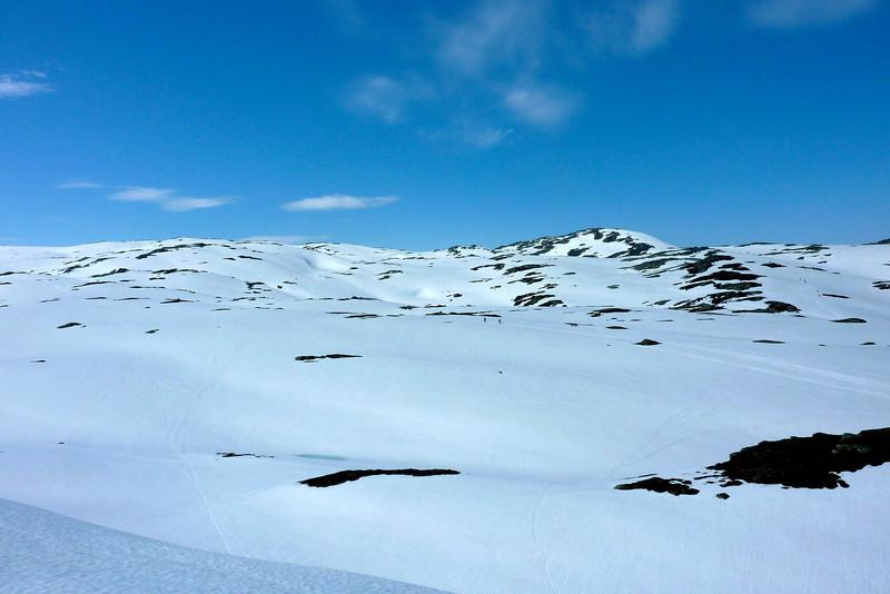 Påsken 2011..Bra med snø igjen i fjellet..