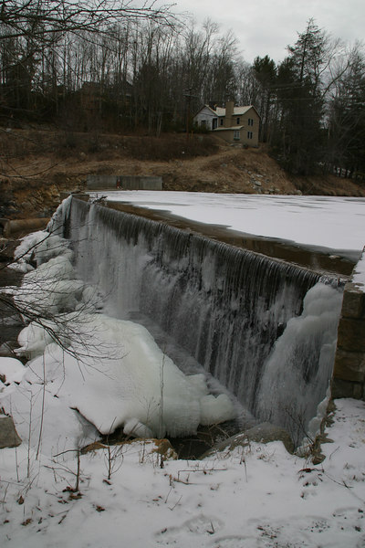 Another view of the falls.