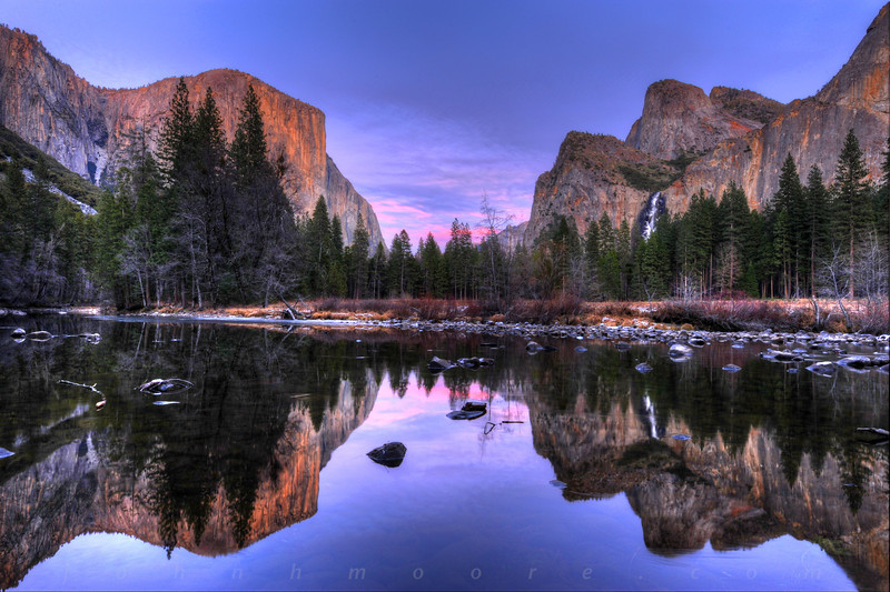 A winter sunset in Yosemite National Park