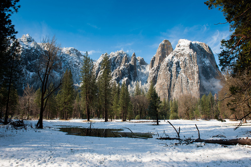 Cathedral Rocks in Yosemite National Park in the snow