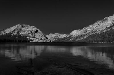 Tenaya Lake with no clouds.