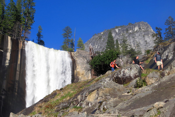 Yosemite Day Hikes: Apr 21-22, 2012