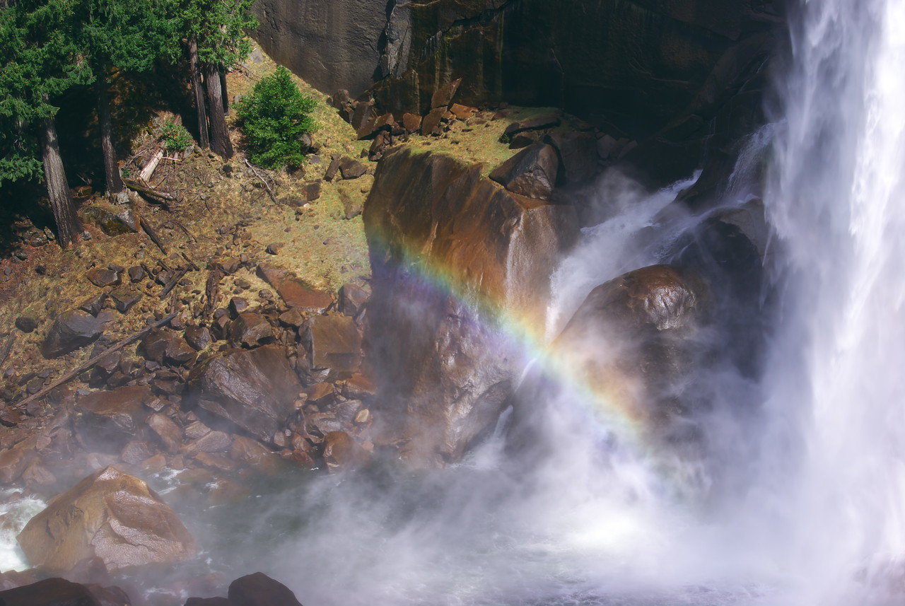 Rainbow under Vernal falls - Yosemite park