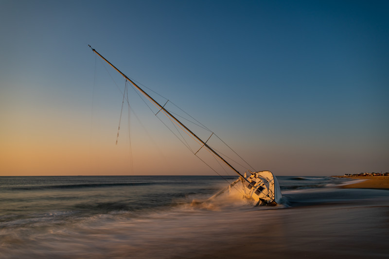 Abandon Sailboat on Beach 7/14/19