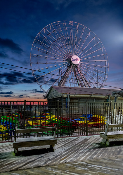 Predawn Colors Over The Ferris Wheel On Seaside Pier 12/31/18