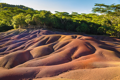 7 COLOURED EARTH