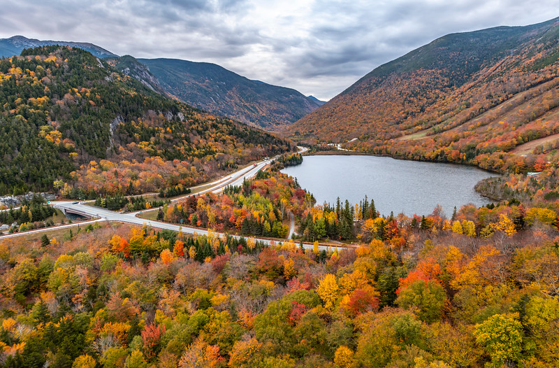 Autumn Foliage At Artist's Bluff Lookout In The White Mountains, NH 10/5/20