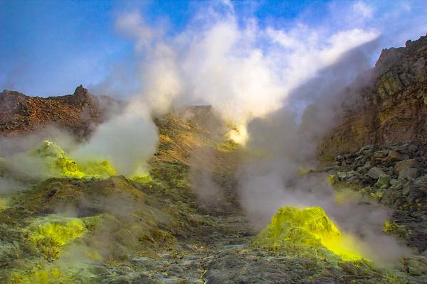 北海道 阿寒国立公園硫黄山