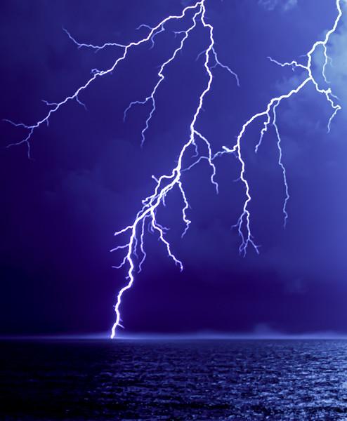The Beauty & Intricacy Of A Lightning Bolt 7/31/20