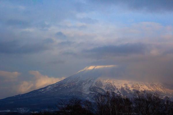 Blue moment, Mt. Yotei