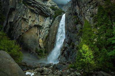 Lower Yosemite Falls. #hiking #getaway #nationalparks #outdoors @nationalparkservice @nationalparkspass #nature #parks #photography #canon #5dmkiii