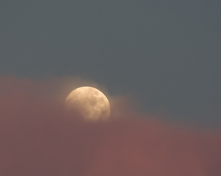 Clouds-Moon-6006