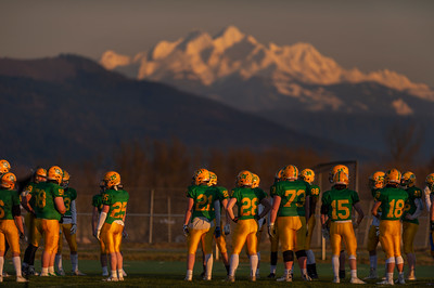 Lynden Lions Against the Sisters at Sunset  - 0209