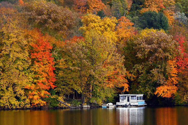 Autumn & houseboat on the St. Croix River, Wisconsin/Minnesota, #0197