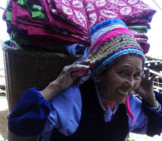 Tie Dye workshop near Dali