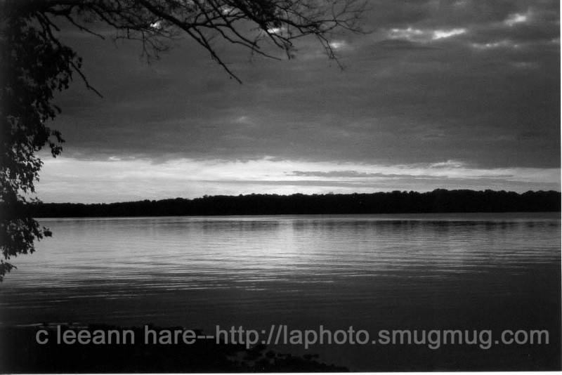 B & W sunset lak kosh oct 2001