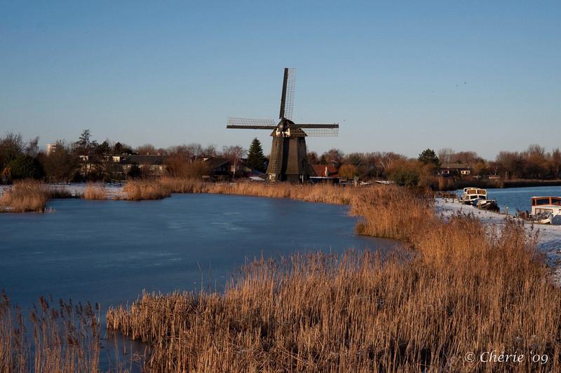 Strijkmolen Geestmerambacht / Ambachtsmolen te Oudorp (Alkmaar) built in 1632. Photo taken at 1-1-2010 3 pm