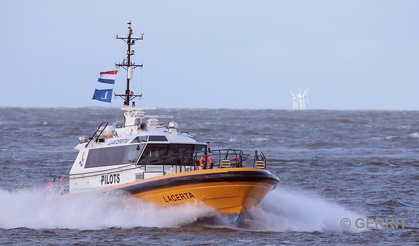 Loodsboot bij IJmuiden