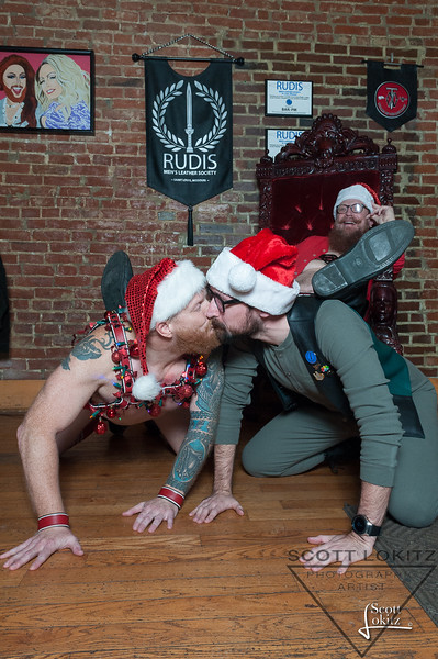 Naughty Santa-10