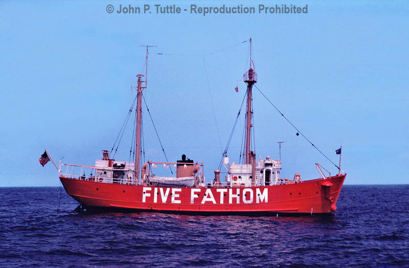 Five Fathom Lightsht