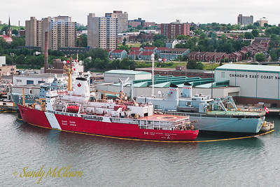 CCGS Louis S. St. Laurent rafted alongside HMCS PRESERVER.