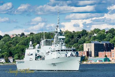 HMCS MONTREAL (FFH 336).