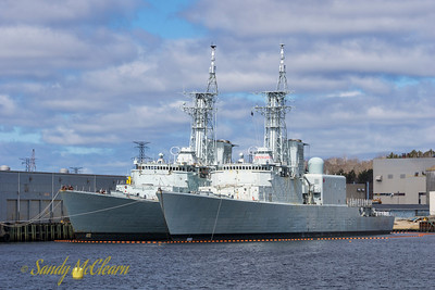 Former HMC Ships ALGONQUIN (left) and IROQUOIS (right) at Port Mersey for breaking up.