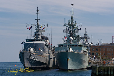 The frigates BNS INDEPENDENCIA and HMCS TORONTO.